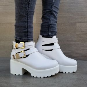 Chunky 90s Grunge White Ankle Spring Boots